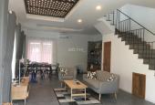 Cho thuê biệt thự đầy đủ nội thất, khu an ninh yên tĩnh, có hồ bơi, đầy đủ tiện ích. LH 0901478384