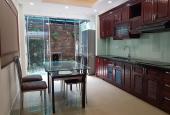 Nhà phố Chùa Láng - Đống Đa, DT: 72m2, 5 tầng, đầu tư hoàn hảo - Kinh doanh sầm uất suốt ngày đêm