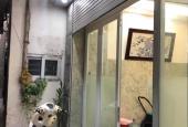 Bán nhà đẹp 5 tầng gần phố Yên Lãng, khách về ở luôn, giá 3.3 tỷ