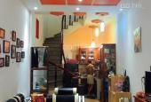 Gia đình bán lại nhà Đê La Thành, Đống Đa, 3 tầng x 50m2 còn mới, đầy đủ nội thất, sổ đỏ, ở ngay