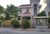 Bán 1 căn biệt thự khu Nam Long, phường Thạnh Lộc, quận 12, DT: 300m2, giá: 12 tỷ 300 tr