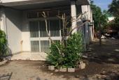 Bán nhà ngay góc ngã tư đường Cách Mạng Tháng 8, tiện KD, giá tốt