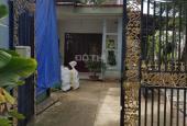 Bán gâp căn nhà 1 trệt 1 lầu mặt tiền đường vườn thơm,dt 300m2,giá 2,8 tỷ,xã bình lợi,bình chánh