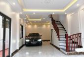 Nhà mới diện tích đất 53m2 x 4,5tầng, trong ngõ 640 đường Nguyễn Văn Cừ, phường Gia Thụy, Long Biên