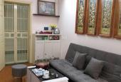 Bán căn hộ 61.5m2 VP5 view hồ Linh Đàm có nội thất, giá 1.37 tỷ bao sang tên sổ