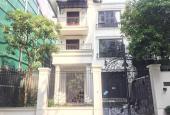 Cho thuê nhà biệt thự Dịch Vọng gần công viên, Cầu Giấy. DT 250m2, 4 tầng, MT 10m, giá 70tr/th