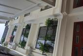 Cần bán nhà mới xây phường Cự Khối, 32m2 x 4 tầng, giá 1.65 tỷ chính chủ, LH: 0854887128