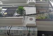 Bán gấp ngôi nhà 4 tầng, gần khách sạn Marriot Mễ Trì, giá 3,8 tỷ. LH 0988192058
