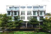 Bán nhà phố TT Nhà Bè sát Phú Mỹ Hưng, diện tích 4x13m, 1 trệt, 3 lầu, 4PN, 5WC. LH 0935531351