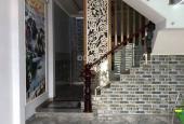 Nhà đẹp - giá rẻ đường Cách Mạng Tháng Tám, Q. 10, 42m2, 3 tầng, 4.65 tỷ
