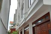 Bán 5 căn nhà xây mới 42m2, từ 1.9 tỷ đến 2.2 tỷ, gần Aeon Long Biên