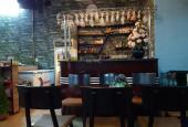 Sang nhượng quán cafe bóng đá karaoke DT 75m2 ba mặt tiền 4 m + 4 m + 10 m vỉa hè rộng Phố Lê Lai