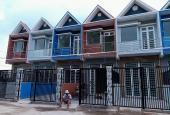 Bán nhà Bình Chánh 3.7x17m, 2 tấm hẻm xe hơi ngay chợ Hưng Long, giá 850tr