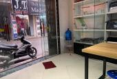 Bán nhà mặt phố Thịnh Quang, DT 20m2 x 4T, giá 2.4 tỷ, kinh doanh sầm uất