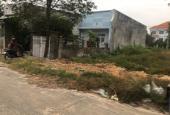 Cần tiền làm nhà, tôi bán miếng đất 300m2 kề chợ giá 650 triệu/nền, sổ hồng riêng, dân cư đông đúc