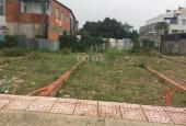 Nhà em có 2 lô đất ngay chợ Vĩnh Lộc A chỉ 390tr