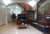 Bán gấp nhà Kim Ngưu, gần hồ, lô góc, thoáng 3 mặt, nội thất gỗ Lim Lào