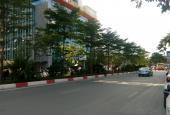 Bán gấp căn hộ 140m2, 3PN tòa AZ Lâm Viên, đường Nguyễn Phong Sắc. LH A Đoàn