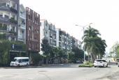 Bán đất chính chủ mặt tiền đường D1 khu dân cư Him Lam Tân Hưng, Q7. Liên hệ: 0988136639