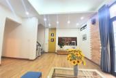 Chính chủ bán nhà phố Tôn Thất Tùng, DT 40m2 x 5T, MT 5m, tặng full nội thất, giá 3,95tỷ