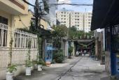 Bán nhà nát hẻm đối diện cafe Country House Phan Văn Trị, P10, Q. Gò Vấp. DT: 6.4m x 13.6m