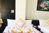 Khách sạn nằm ngay vị trí đắc địa cực kỳ thuận lợi cho việc kinh doanh, chỉ cách hồ Xuân Hương 5p