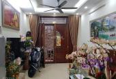 Bán nhà Việt Hưng, Long Biên - lô góc - gần ô tô, 35m2, rộng 3.7m. Giá 2.9 tỷ