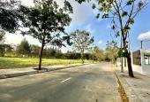 Hùng Cát Lái - Bán đất sổ đỏ, DT 8.8x20m, đường 12m, Tây Bắc, gần trường đại học, giá 55 tr/m2