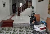 Vỡ nợ bán nhà 3 tầng Lệ Mật, Việt Hưng 50m2 hướng Đông Nam ngõ Morning chỉ 2,85 tỷ