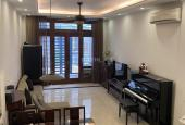 Gia đình bán nhà tự xây còn mới đường ô tô giá 5 tỷ hướng Tây Bắc ở Lệ Mật, Việt Hưng