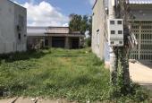 Nhà cần tiền bán 2 lô đất DT 198m2 giá 650tr - 140m2 giá 550tr ngay thị trấn Đức Hoà - Tân Đức