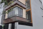Bán villa cực đẹp 3 mặt tiền đường 2/9, P. Hòa Cường Bắc, Q. Hải Châu. DT: 2.543m2