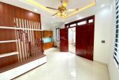Bán nhà Vĩnh Hưng 33m2, 5 tầng, giá 2.5 tỷ. LH: 0964621598