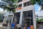 Cần bán căn nhà đang đi vào hoàn thiện gần đường Hà Huy Giáp Q12 1trệt 1lửng 3lầu 4PN 2,69 tỷ TL