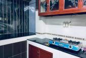 Bán gấp căn hộ chung cư xinh đẹp 3PN, Nguyễn Chí Thanh, Quận 5, 8x8.5m, giá chỉ 2,4 tỷ