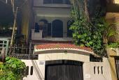 Cho thuê nhà biệt thự ô tô đỗ cửa phố Đội Cấn 100m2 x 4 tầng, MT 6m, 20 triệu/tháng, LH 0818011234