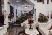 Bán nhà hàng xóm Royal - xây tâm huyết - đẹp khỏi chê- cách 1 nhà ra phố: 3x tỷ.