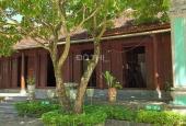 Bán khuôn viên biệt thự sẵn nhà gỗ Lim 5 gian tặng kèm nhà xưởng 2 tầng DT khoảng 1000m2 tại Ba Vì