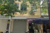 Cho thuê nhà đường Hạ Yên, Cầu Giấy, Hà Nội. DT 70m2, 5 tầng, thông sàn nhà mới 100% giá 32 tr/th