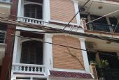 Cho thuê nhà 10 ngõ 9 cách 25m ra phố Trần Quốc Hoàn, 7 phòng, 50m2