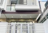 Nhà 1 trệt 1 lầu hẻm 11 đường Nguyễn Văn Linh bên hông BV Đa Khoa Trung Ương