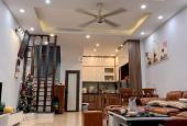 Cần bán nhà phố Trương Định, Hoàng Mai, nhà đẹp, ở ngay, dt 40m2. Giá 3,7 tỷ