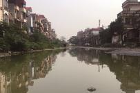 Thi công gần 10 năm chưa xong, đường phố biến thành… sông