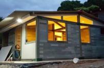 Ngôi nhà xây dựng từ gạch nhựa tái chế trong 5 ngày