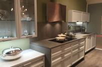 Phòng bếp đẹp lung linh với 5 kiểu tủ bếp thủy tinh