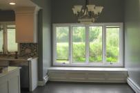 Thiết kế ghế bên cửa sổ: Tối giản nhưng vô cùng tiện ích
