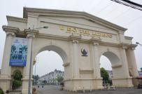 Nhiều biệt thự trị giá hàng chục tỷ đồng bị bỏ hoang ở Hà Nội