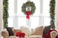 Cách trang trí cửa sổ sáng tạo mang không khí Giáng sinh vào nhà