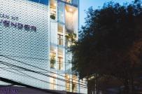 Nhà ống 7 tầng với thiết kế thông minh vừa để ở, vừa cho thuê giữa trung tâm Sài Gòn