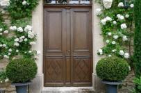 Những mặt tiền nhà ngập hoa thu hút mọi ánh nhìn